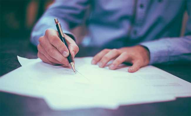 lavoro offerte 6 firma uomo frontale