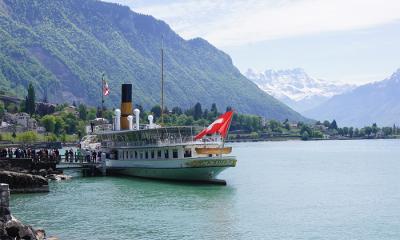 svizzera battello lago montagne